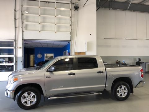 Certified Pre-Owned 2015 Toyota Tundra SR5 CREWMAX